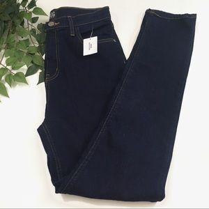 NWT BDG Girlfriend High Rise Jeans Dark Wash Blue